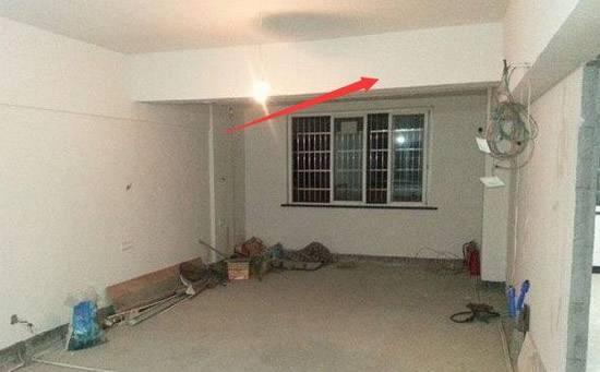 客厅有粱怎么吊顶